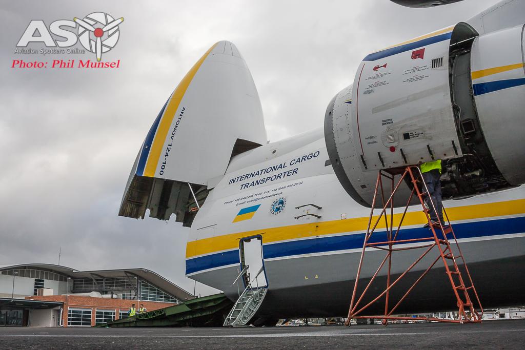 Antonov AN-124 (2)