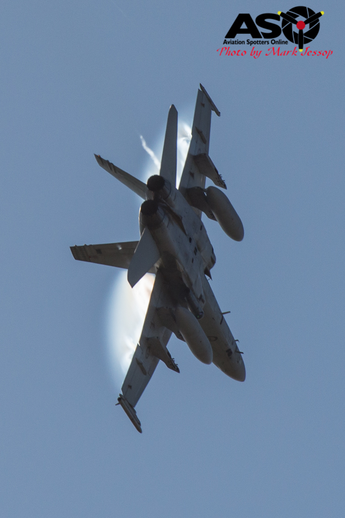 F-A-18A low level Western Airspace tank run-25