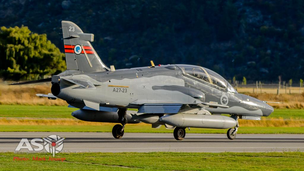Hawks Queenstown arrive-14