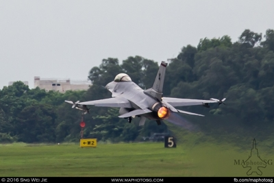 F-16C take off on full afterburners