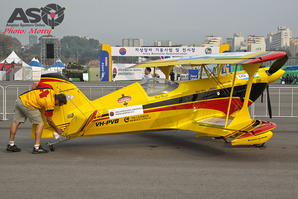 Mottys Paul Bennet Airshows Wolf Pitts Pro VH-PVB Korea ADEX 2015 028