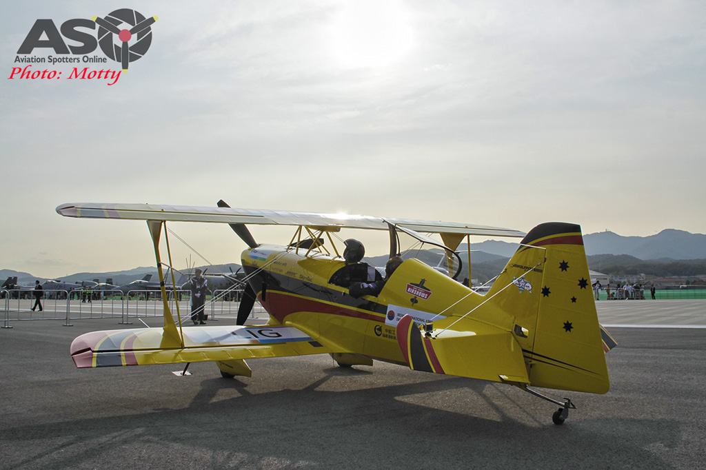 Mottys Paul Bennet Airshows Wolf Pitts Pro VH-PVB Korea ADEX 2015 037