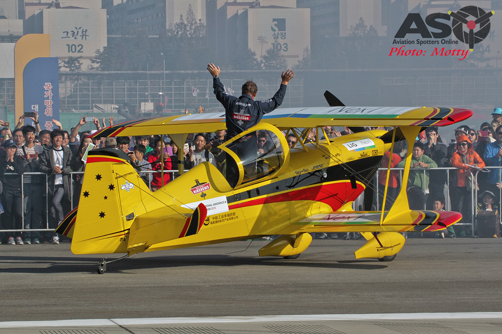 Mottys Paul Bennet Airshows Wolf Pitts Pro VH-PVB Korea ADEX 2015 108