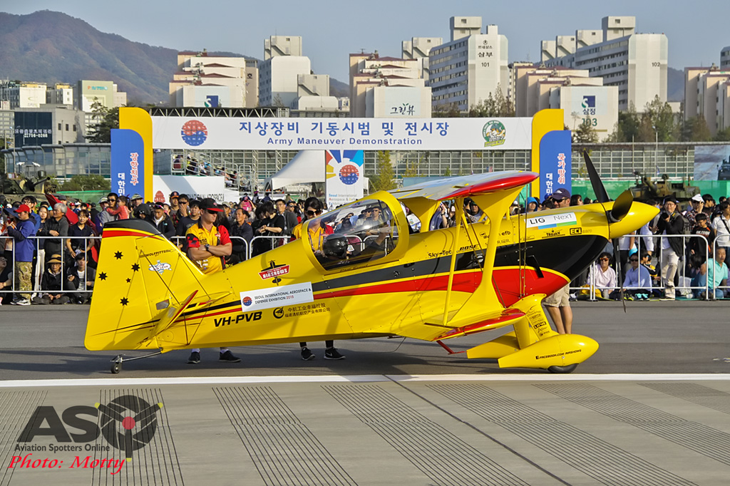 Mottys Paul Bennet Airshows Wolf Pitts Pro VH-PVB Korea ADEX 2015 111