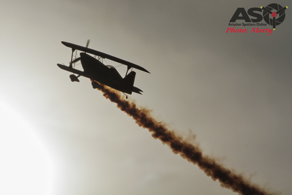 Mottys Paul Bennet Airshows Wolf Pitts Pro VH-PVB Korea ADEX 2015 115