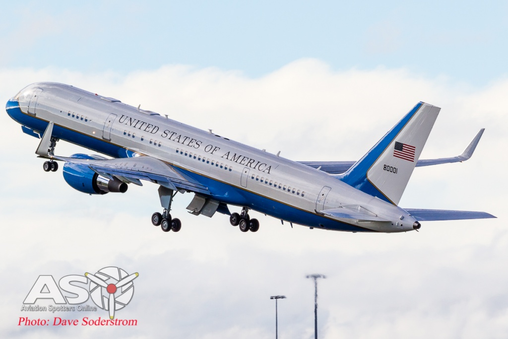 USAF C-32 98-80001 ASO (1 of 1)