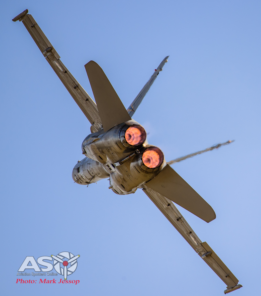 F/A-18B Hornet 2OCU with the cans lit
