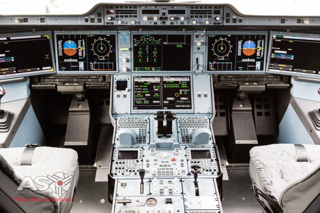 China-A350-Cockpit-1-of-1