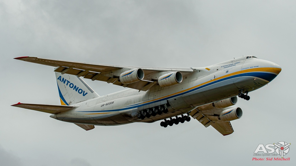 UR-82008-AN-124 Darwin 3