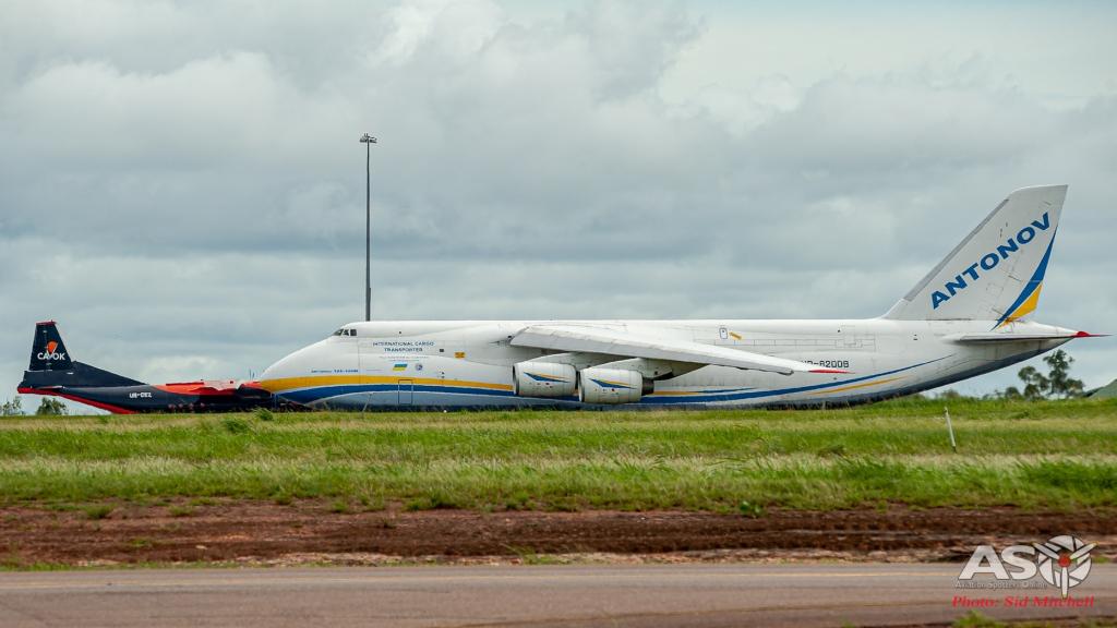 UR-82008-AN-124 Darwin 6