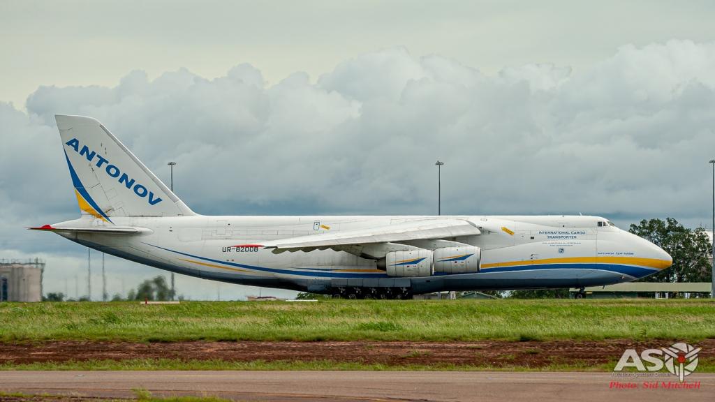 UR-82008-AN-124 Darwin 7