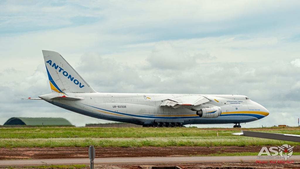UR-82008-AN-124 Darwin 11