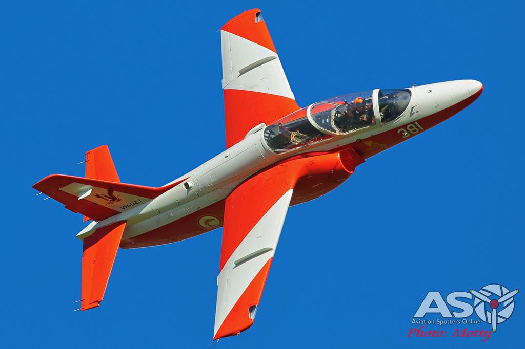 Mottys-Warbirds-S211s-WOI-2018-13234-001-ASO