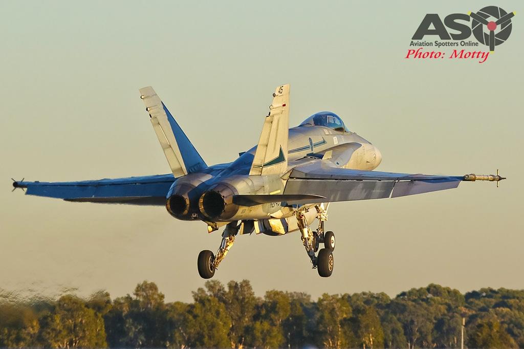 Mottys-AWIC-2019-Dawn-Strike-RAAF-FA-18-Classic-Hornet-01080-ASO
