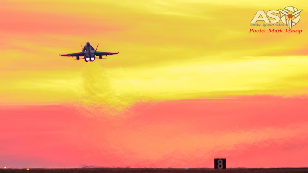 AWIC17 Dusk Take off (4 of 6)