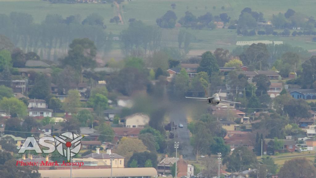 F/A-18A A21-35 inbound at pace