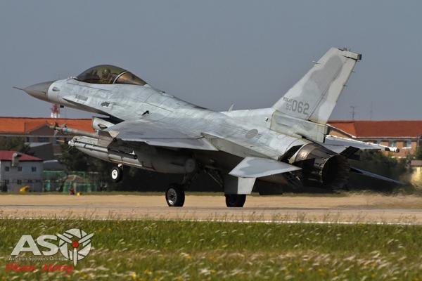 006-Mottys-ROKAF-F-16-123FS-005-Kunsan-Buddy-Wing-15-4
