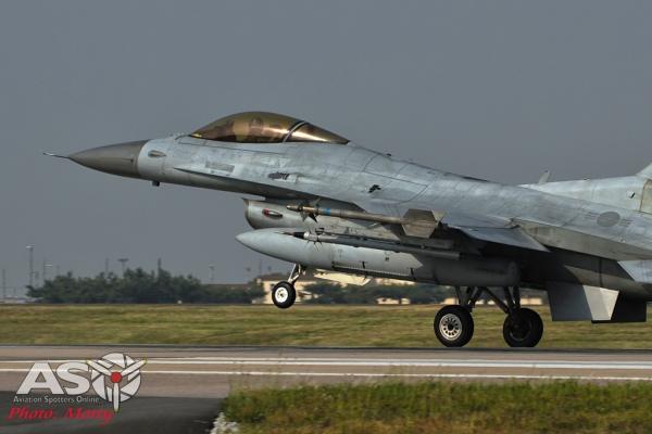 008-Mottys-ROKAF-F-16-123FS-007-Kunsan-Buddy-Wing-15-4