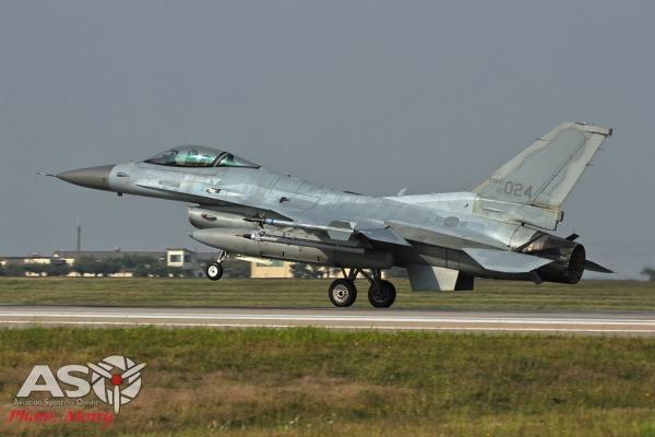 012-Mottys-ROKAF-F-16-123FS-011-Kunsan-Buddy-Wing-15-4