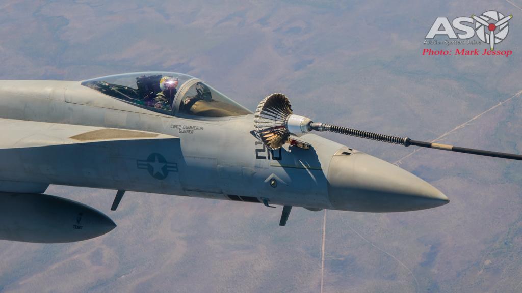 tanker air to air_-28