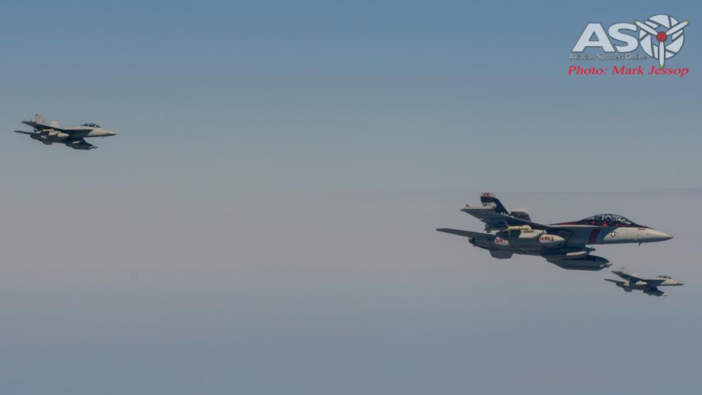 tanker air to air_-44
