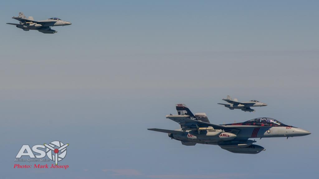 tanker air to air_-70