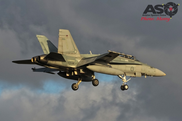 Mottys RAAF FA-18 Williamtown FCI 2015 1001