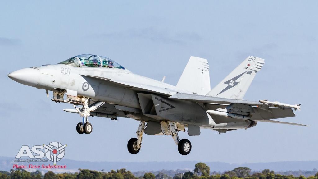 A44-207 RAAF FA-18F Super Landing ASO (1 of 1)