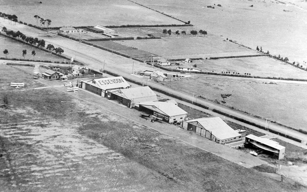Essendon-Fields-History__0000s_0010_EN-1935