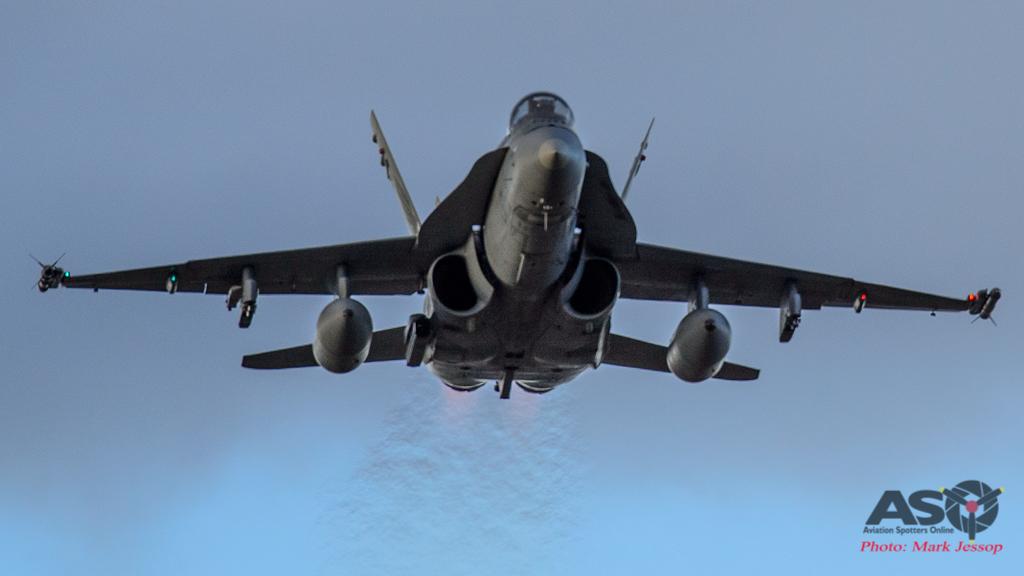 F/A-18A Hornet inbound