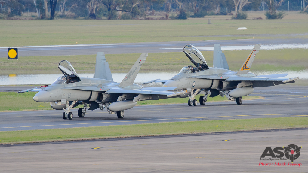 F/A-18A Hornet A21-55 3SQN & F/A-18B Hornet A21-118 2OCU taxing back