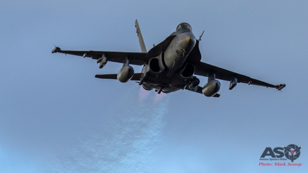 F/A-18A Hornet inbound.