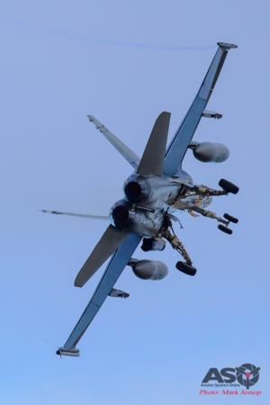 F/A-18A Hornet Go around