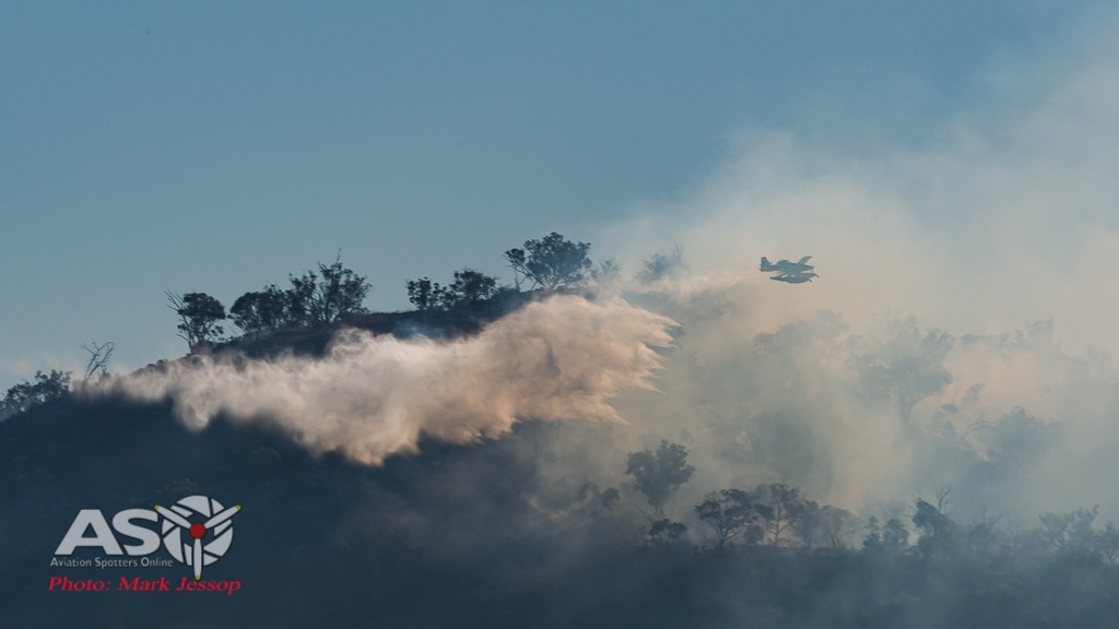 Water drops Mudgee fire (2 of 6)