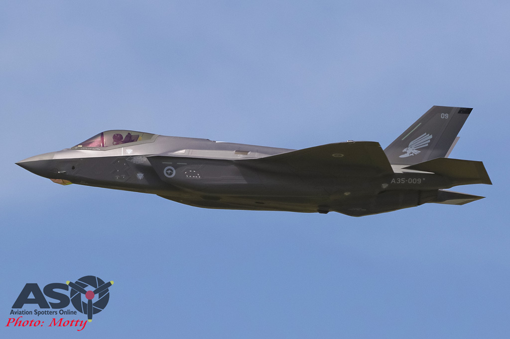 Mottys-First RAAF F-35 Arrivals at Williamtown-01819-ASO