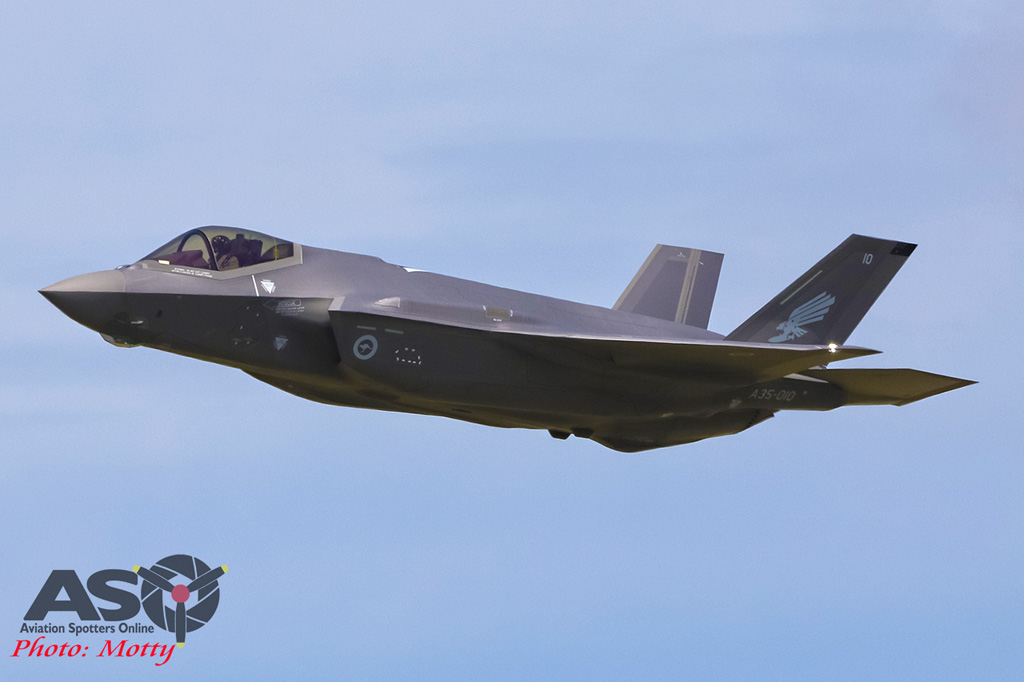 Mottys-First RAAF F-35 Arrivals at Williamtown-01838-ASO