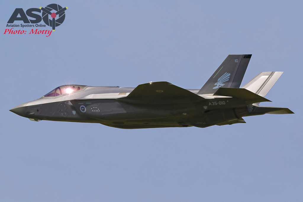 Mottys-First RAAF F-35 Arrivals at Williamtown-01857-ASO