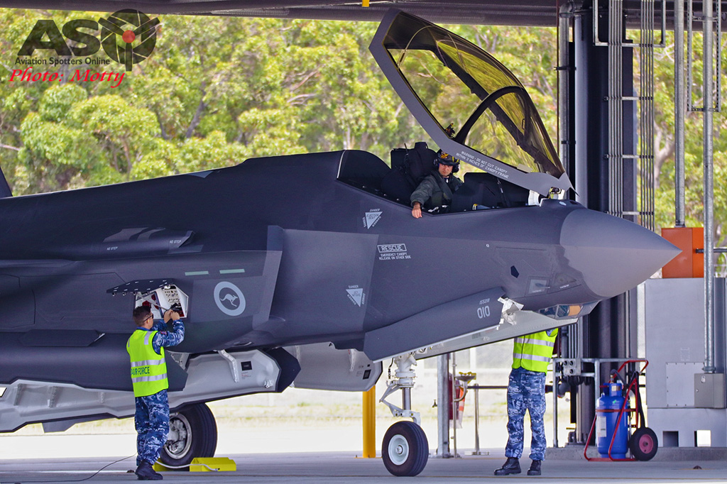 Mottys-First RAAF F-35 Arrivals at Williamtown-02169-ASO
