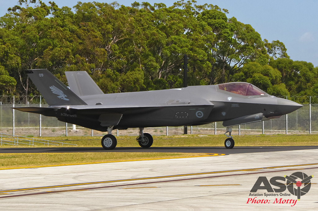 Mottys-First RAAF F-35 Arrivals at Williamtown-02259-ASO