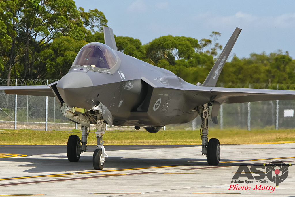 Mottys-First RAAF F-35 Arrivals at Williamtown-02298-ASO