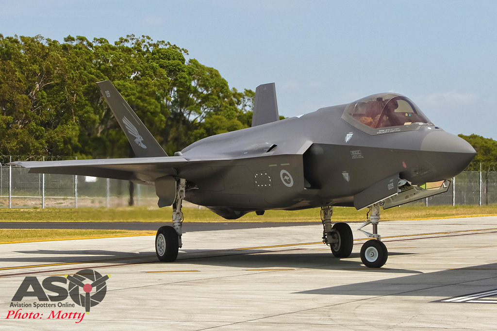 Mottys-First RAAF F-35 Arrivals at Williamtown-02319-ASO