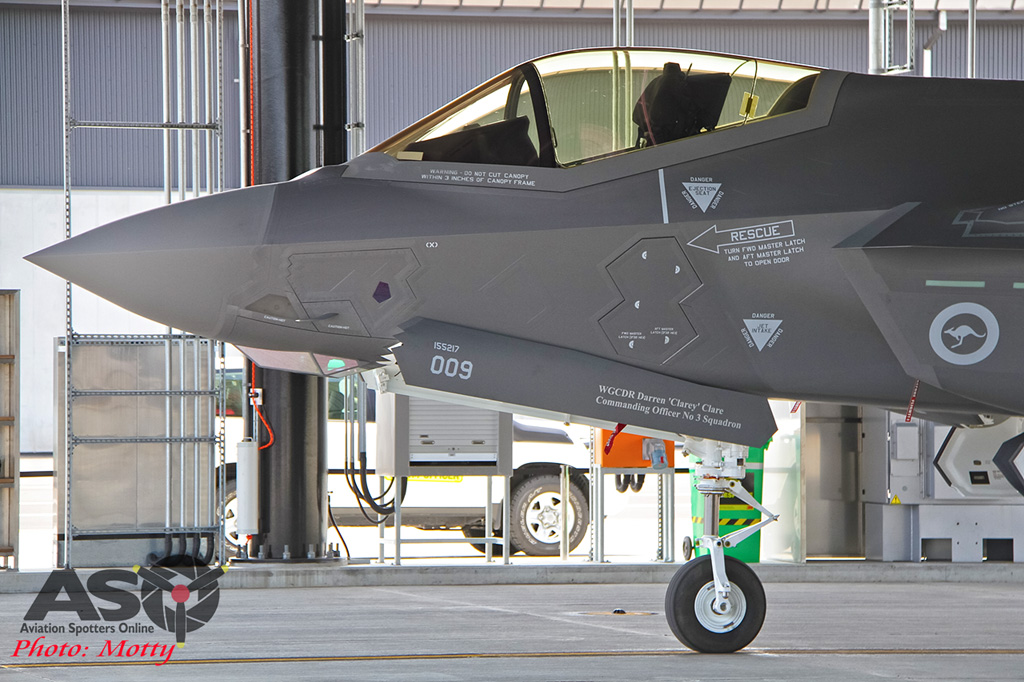 Mottys-First RAAF F-35 Arrivals at Williamtown-03053-ASO