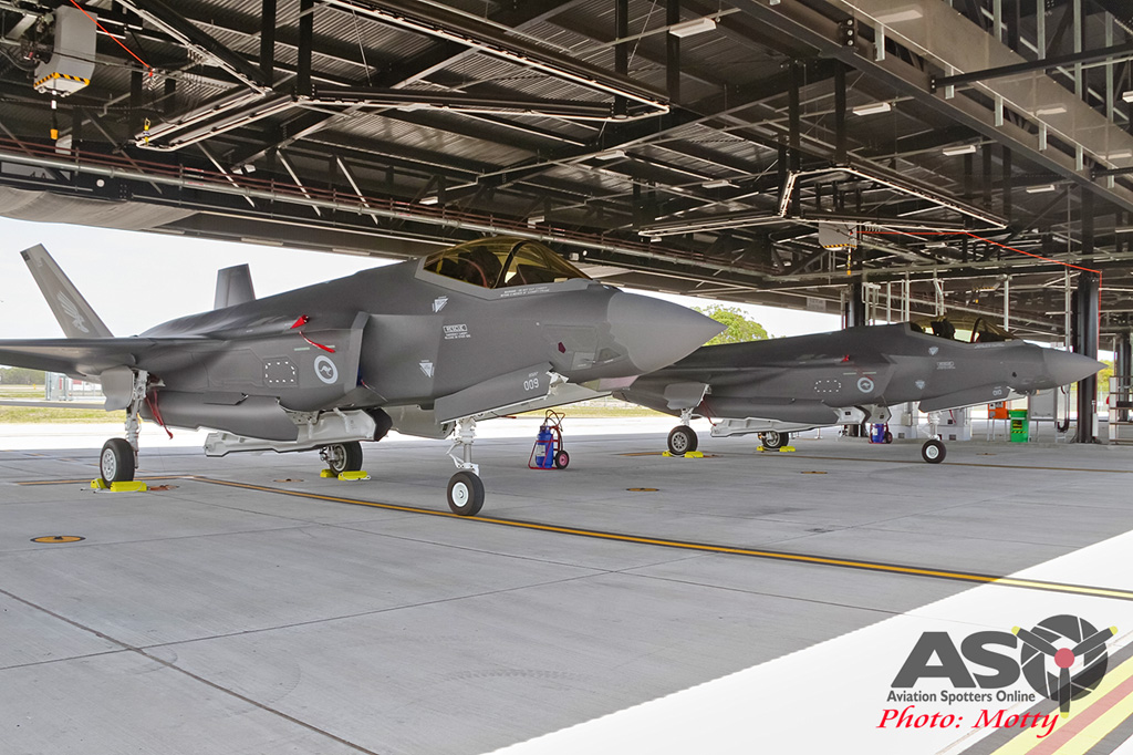 Mottys-First RAAF F-35 Arrivals at Williamtown-03068-ASO