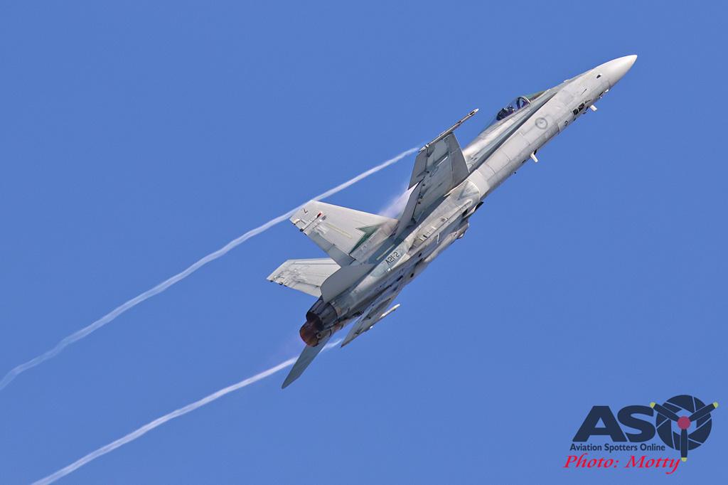 Mottys-Newcstle Coats Hire V8 Supercars RAAF Hornet Display-2120-ASO