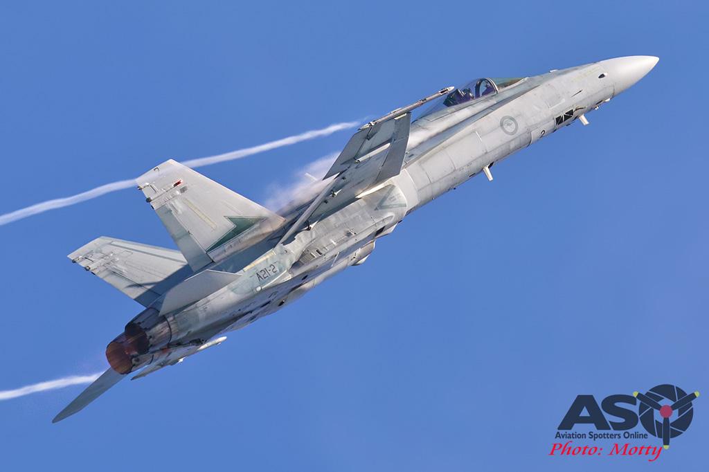 Mottys-Newcstle Coats Hire V8 Supercars RAAF Hornet Display-2122-ASO