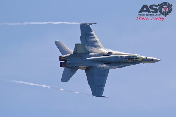 Mottys-Newcstle Coats Hire V8 Supercars RAAF Hornet Display-1067-ASO
