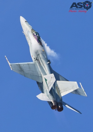 Mottys-Newcstle Coats Hire V8 Supercars RAAF Hornet Display-1224-ASO