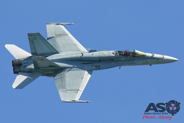 Mottys-Newcstle Coats Hire V8 Supercars RAAF Hornet Display-1508-ASO