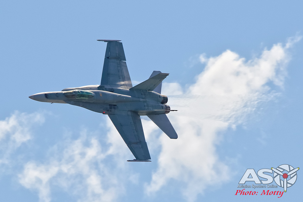 Mottys-Newcstle Coats Hire V8 Supercars RAAF Hornet Display-00147-ASO