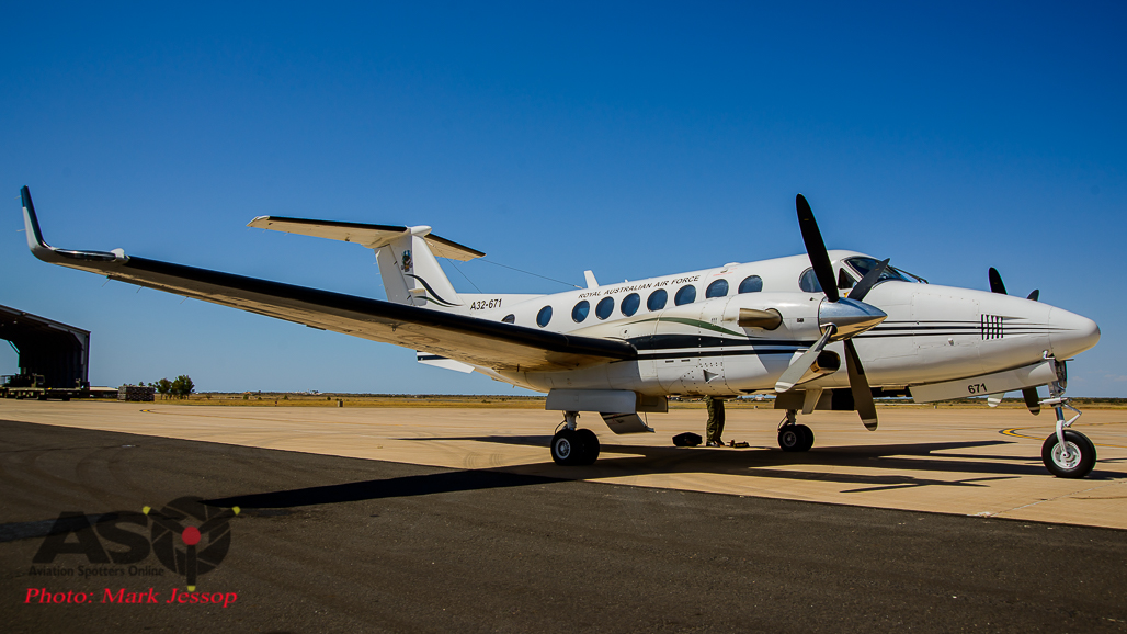 RAAF A32-671 King Air ready for our flight back to RAAF Pearce